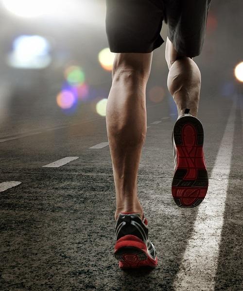 Trening rano czy wieczorem – kiedy najlepiej trenować?